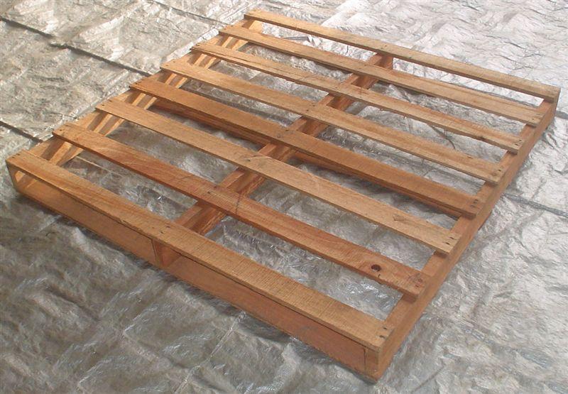PALLETS (PALETES) EM MADEIRA (120 x 100)cm - MODELO 02